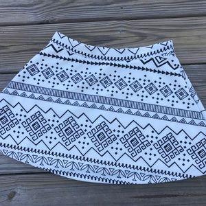 Hot Kiss Women Skirt White Black Mini Skirt Size M